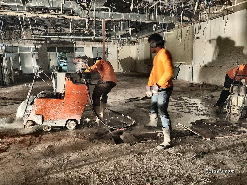 Helper Pulling Leads