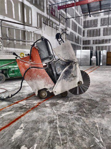 Using the electric slab saw in a mall in Naples Florida. anytime we cut inside a mall and you cannot use gasoline or diesel then we use the electrical slab saw.